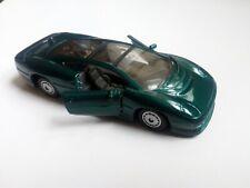 MAISTO JAGUAR XJ220 DIECAST DARK GREEN SCALE 1/40