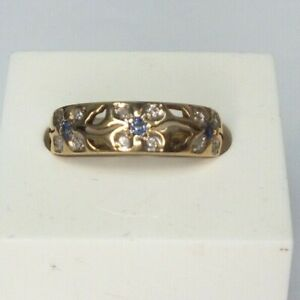 Vintage 9ct yellow gold Sapphire and Diamond flower pattern ring. Size O.