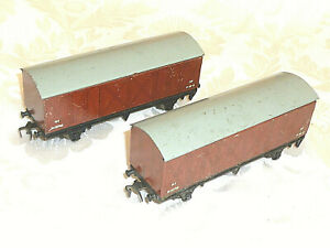 x2 Hornby Dublo 3 Rail 10T Vent Van Wagons metal wheels VGC 00 Gauge OO wagon
