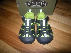 New Boys Black and Lime Green Keen Newport H2 Size 10