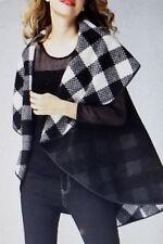 Jerry T Women's Reversible Black & White Cape 2X 22 24 Plus Size Jacket SR7070