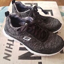 Sketchers Lite Weight Women's Flex Sole Sneakers Size 6 Memory Foam Charcoal