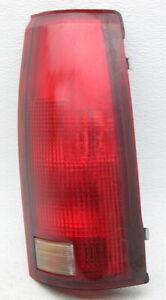OEM Chevy GMC Pickup Suburban Tahoe Yukon Right Side Tail Lamp 5977868