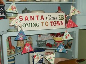 CHRISTMAS WOODEN BUNTING MADE WITH CATH KIDSTON VINTAGE DESIGN GARLAND FIREPLACE