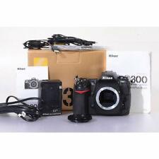 Nikon D300 Digitalkamera / Digital SLR Kamera / Gehäuse / Body / Camera