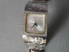 GUESS MONTRE BRACELET MANCHETTE CARREE GRIS ARGENT PIERRE BLANCHE WOMAN WATCH