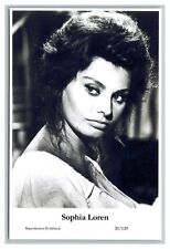Sophia Loren (C) Swiftsure Postcard year 2000 modern print 20/120 glamour photo