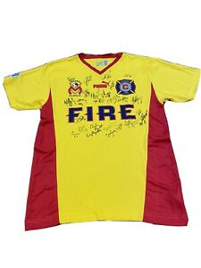 Vintage/Classic Chicago Fire 2004 team signed 3rd kit jersey Monarcas Morelia
