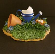 Charming Tails 98/321 Display Scene Watercan Grass Excellent Condition