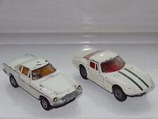 corgi LOT OF 2 VOLVO MARCOS , SAINTS P 1800 - 258 / 324