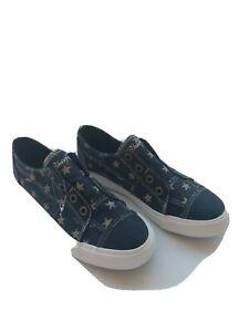 Blowfish Malibu dark blue with stars slip on casual sneakers womens size 10