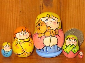 MATRYOSHKA Russian nesting dolls tiny hand painted MINIATURE LATISHEVA  Family 5
