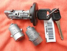 CHEVY GMC SILVERADO YUKON TAHOE AVALANCHE TRUCK IGNITION CYLINDER & 2 DOOR LOCKS