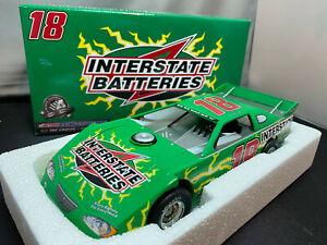 Action Kyle Busch Interstate Batteries Platinum Series Dirt Nascar 1/24 Diecast