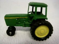 Vintage ERTL John Deere Narrow End Standard Draw Bar Tractor with Cab 1:32-USA