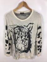 SILVER SWAN Damen Pullover, weiß-schwarz, Tiger Abbildung, flauschig und schick