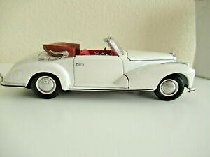 Super Maisto Mercedes-Benz 300 S 1:18 Cabriolet 1955 Special Edition , White,