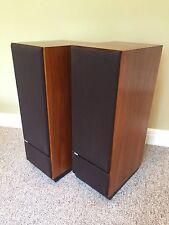 B&W Bowers & Wilkens DM2 Series ll  LoudSpeaker System (pair) w/plinth stands