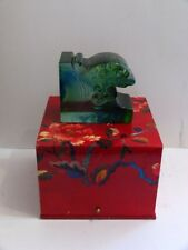 """LIULIGONGFANG Cyrstal Paperweight Bookend """"Dominated Hill a Witness to History"""""""