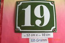 Hausnummer Nr.19 weiße Zahl auf gras - grünem Hintergrund 12 cm x 10 cm Emaille