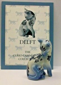 A FRANKLIN MINT CURIO CABINET CAT COLLECTION FIGURINE THE --DELFT-- NO CERTIFICA