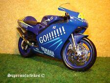 1:18 Yamaha YZR-M1 V.Rossi 46 Go!! 2004 / 00643