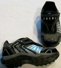 Shoes boys size 12M EUR 30 new man made materials upper lights Champion