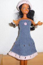 vêtements pour  barbie  robe capeline NEUF lavables et résistants voir détail