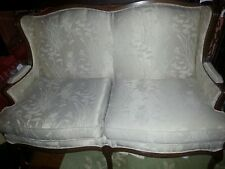 WHITE DAMASK SMALL SOFA COUCH LOVESEAT VICTORIAN, FRENCH COUNTRY,CHIC-GORGEOUS!