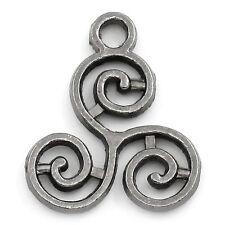 50 HOT Moda Charms Ciondoli Celtic Triskelion Canna di Fucile 16x13mm