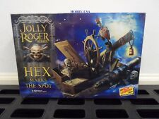 LINDBERG KIT 1:12 Jolly Roger Hex Marks the Spot: Ghostly Pirate  HL224