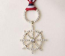 Modeschmuckstücke aus Metall-Legierung mit Strass-Perlen