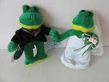 """Mr & Mrs Bride and Groom Wedding Married Couple Plush Soft Toy Frogs  7"""""""