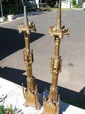 tres belle paire de piques cierges tripode neo-ghotique en bronze doré