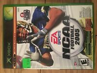 NCAA FOOTBALL 2005 - XBOX - COMPLETE WITH MANUAL - FREE S/H - (XX)