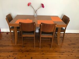Retro Dining Table and 5 Chairs