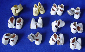 12 Paar kleine Puppenschuhe
