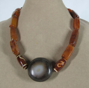 18 Antique Tibetan Himalayan Beads On Necklace A Sheep Eye Stone & Carnelian yqz
