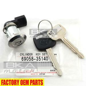 69058-35140 Toyota Tacoma Genuine OEM Gas Fuel Lid Door Flap Cylinder & Key Set