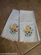 Vtg White Madeira 2 Floral Applique Tea, Bath Towels