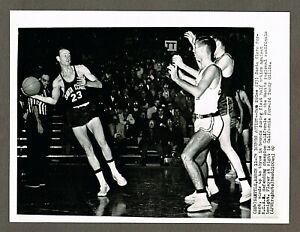 1960 NCAA Basketball 8x10 Wire Photo, California vs Santa Clara @ Seattle #14