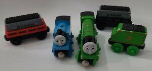5 Thomas The Train Diecast Magnetic Thomas Henry tender Sodor Cargo Cars Read⬇️