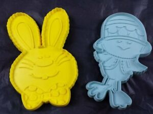Lot of 2 Hallmark Easter Cookie Cutters Bunny Rabbit Chick Vintage 1975 Plastic