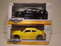 2 Pack of 2006 Dodge Charger SRT8 Diecast Car 1:24 Jada Toys 8 inch Black Yellow