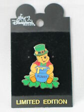 2001 DISNEY ST. PATRICK'S DAY POOH PIN LE 2000 NEW ON CARD 4216
