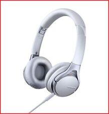Écouteurs blancs audio et hi-fi