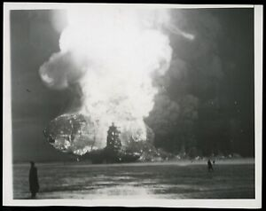 1937 Zeppelin LZ 129 Hindenburg Airship crash Lakehurst Type 1 Original Photo