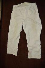 Canadian artic winter camo pants size medium ( store #P13 bte# 151 )
