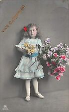 Vive Catherine, cute little girl, fille, fillette, holding big bouquet flowers