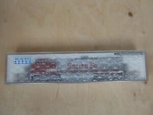 176-3507 Kato Diesellok CW44-9 Spur N Santa Fe 669 red/silver Warbonnet OVP
